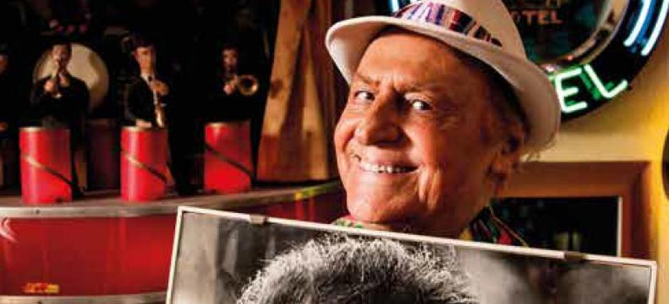 Neapolitan Memories and Songs by RENZO ARBORE and his tv shows and absolute inutilities