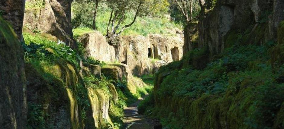 Along the Etruscan carved road