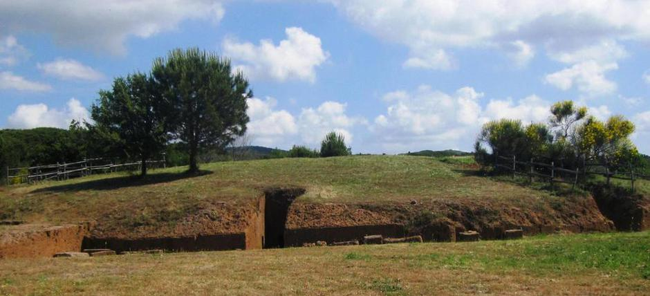 Visit the Great Mound at Campo della Fiera