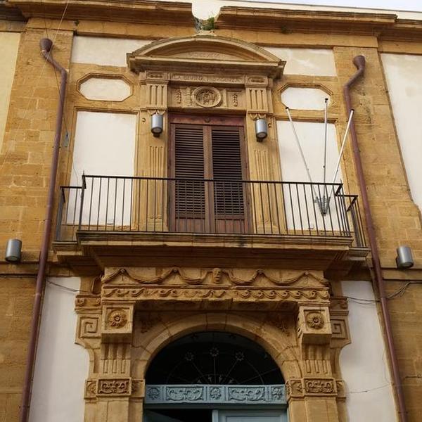 Palazzo Pisciotta-Calandra e Palazzo Todaro-Molinari - Palazzo - Partanna