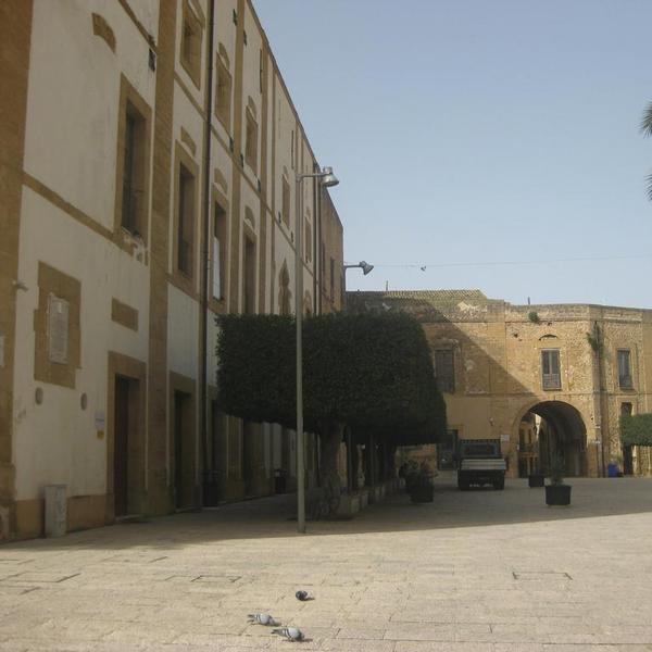Palazzo dei Principi Tagliavia-Aragona-Pignatelli - Palazzo - Castelvetrano