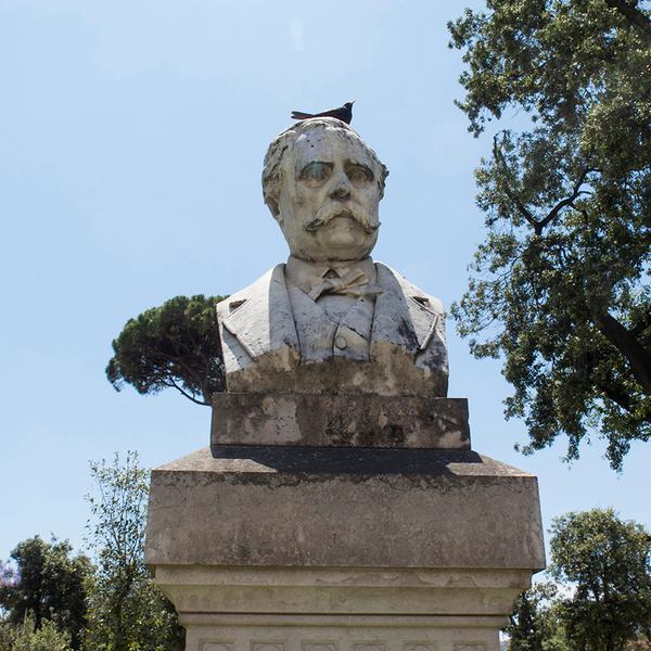 Busto di Francesco De Sanctis