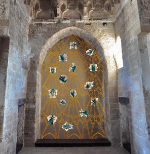 Oriente e Occidente e allegorie e simboli nella tradizione mediterranea. Installazioni di Navid Azimi Sajadi / Al Castello della Zisa