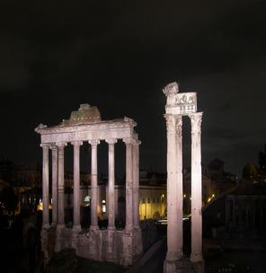 Night tour at Roman Forum