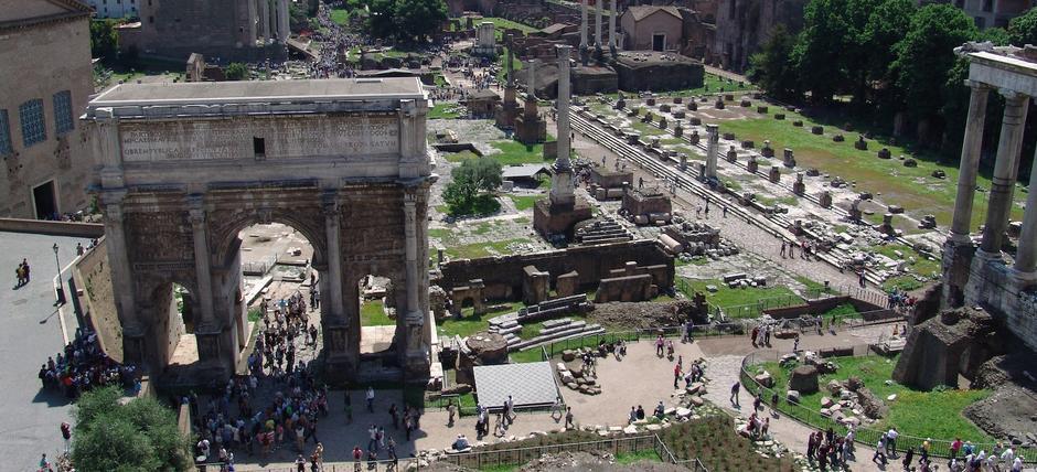 Fori uniti: dai Fori Imperiali al Foro Romano e Palatino