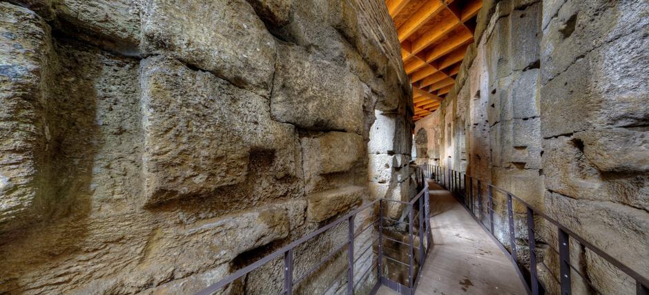 Colosseo: Sotterranei e Arena