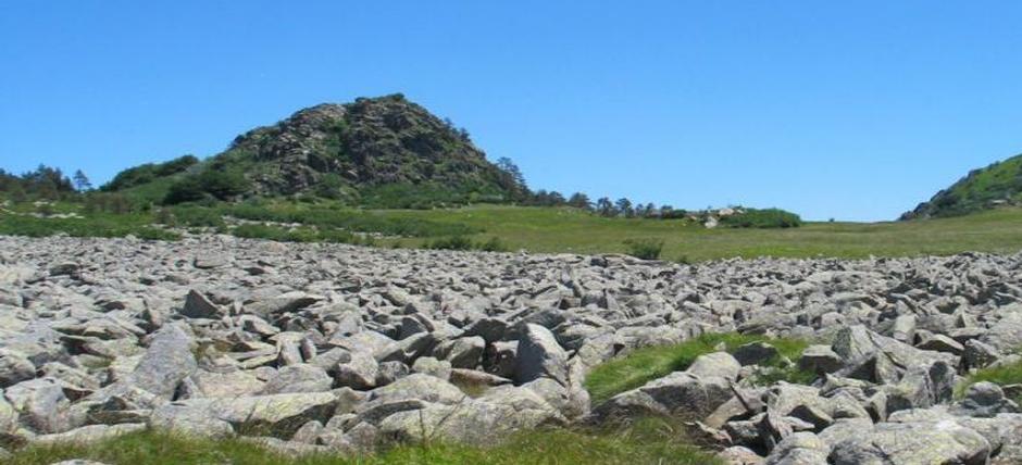 Nei Parco del Beigua, tra rocce antiche e scorci mozzafiato