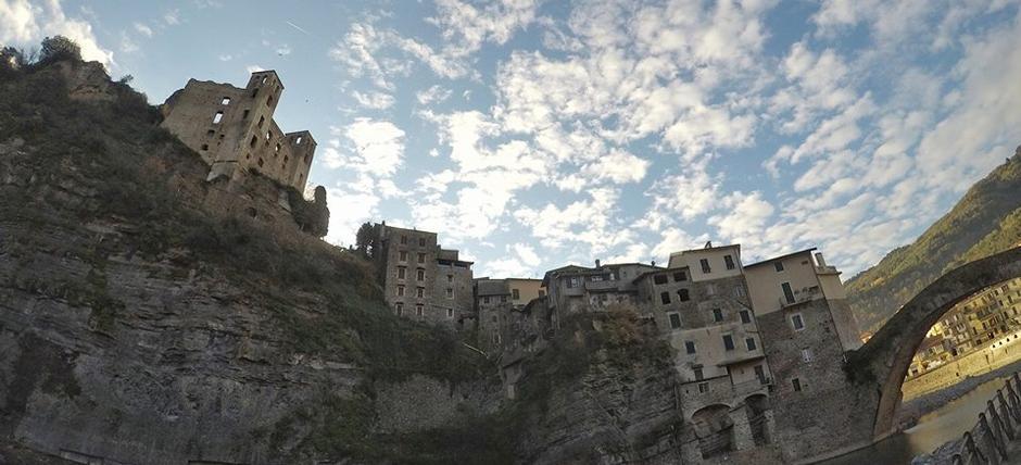 Aperitivo da re nel Castello di Dolceacqua