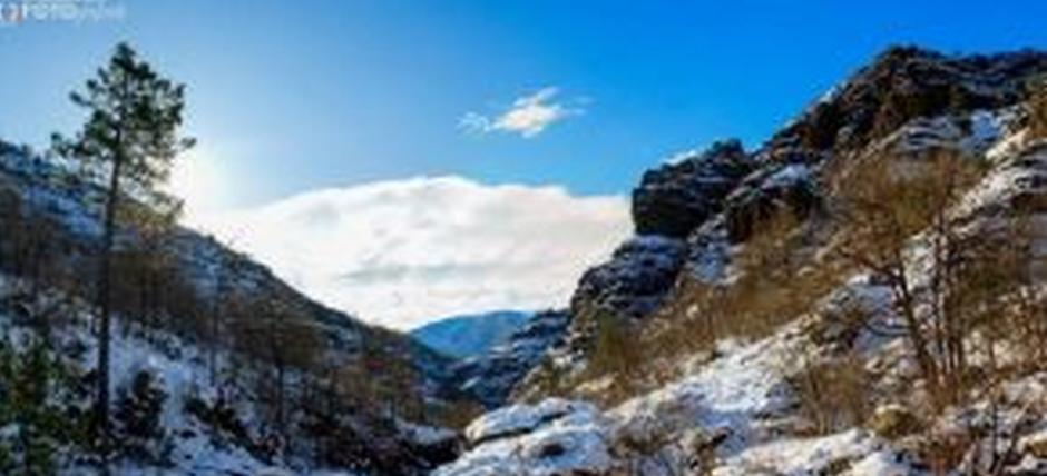 Photographic trekking: winter suggestions in Val Gargassa between torrents and waterfalls
