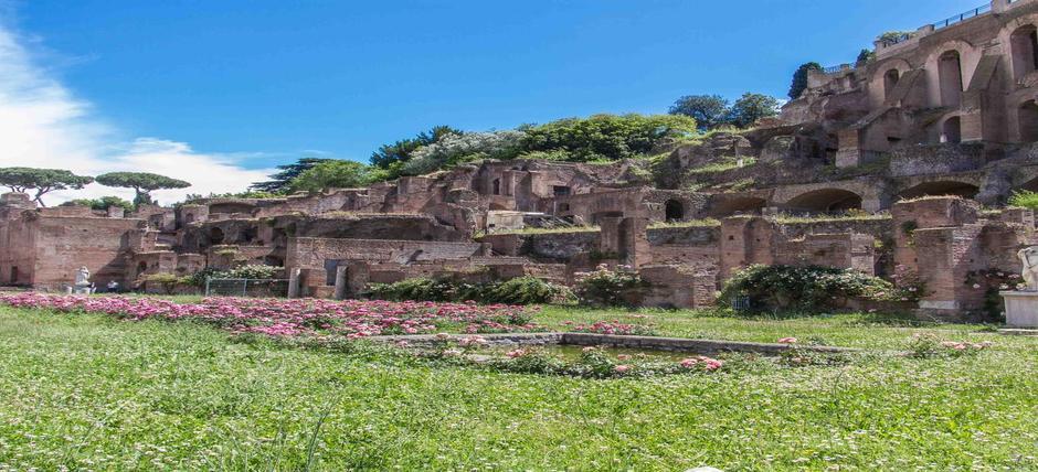 Tempio di Vesta e Casa delle Vestali